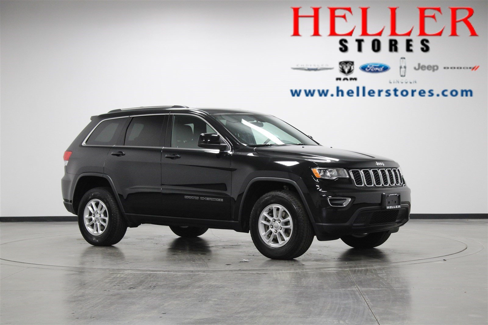 Pre Owned 2018 Jeep Grand Cherokee Laredo E