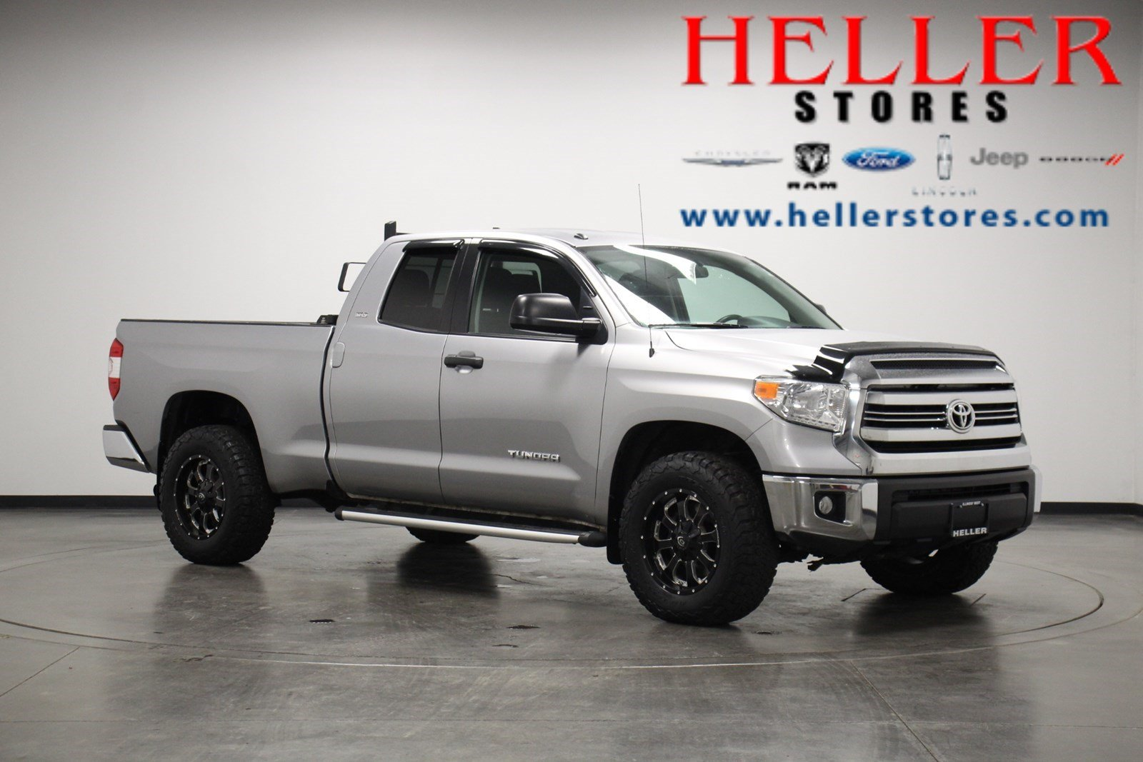 Pre-Owned 2016 Toyota Tundra 4WD SR5